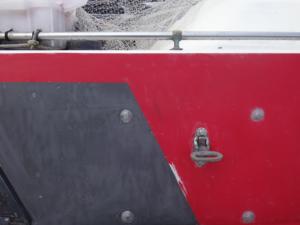白化した遊漁船デッキ